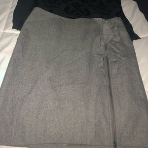Banana Republic skirt with ruffle detail